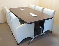 事務所内会議机